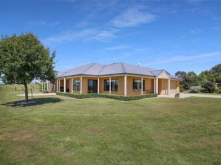 83 Acres - Country living at its best
