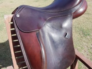 Bates innova english dressage saddle 14' interchangeable gullet