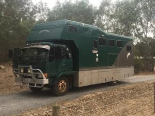 PRICE REDUCED 5 horse/5 passenger horse truck