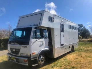 Price reduced - Nissan UD - 3/4 horses
