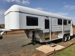 NEW 2HAL plus Living Outback Gooseneck