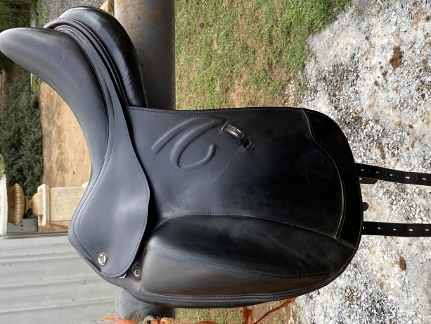 Saddles in New South Wales