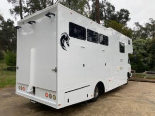 GREAT LADIES 4 horse truck with full solar living