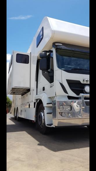 Luxury 4/5 Horse Truck for Sale